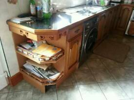 FULL KITCHEN UNITS AND MORE, SEE PICS AND DESCRIPTION