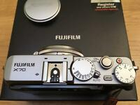 Fujifilm X70 Camera / 16.3mp APS-C X-Trans CMOS II sensor / WiFi / Tilt&Touch LCD/Full Manual & Auto