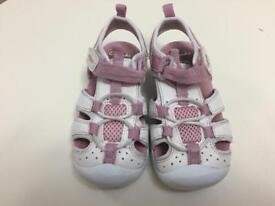 Girl's Clarks Doodles sandals 6 1/2 F (6.5F)
