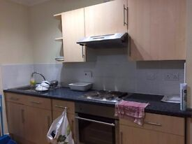 COMPACT, COSY TWO BEDROOM GROUND FLOOR FLAT IN CONNAUGHT ROAD