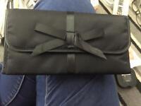 Hugo Boss Make Up Magnetic Wrap Bag