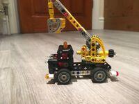 Lego technic cherry picker