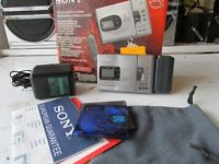 sony mzr30 mini disc walk man RECORDER with power adaptor FULL WORKING ORDER.