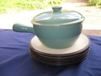 DENBY Stoneware Green Lidded 2PT Pouring Pan AND 4x Small Dinner Plates in dark Brown Rusticware VGC