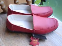 Ladies Red Leather Shoes size7--Brand New with Tags!
