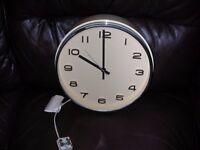 Vintage Metamic electric clock