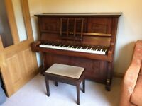 Sames Upright Piano very good condition!