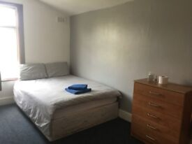 Stratford: bright double room in a quiet & tidy shared house in Colegrave Rd. Rent incl. all bills!
