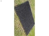 6 heavy duty garden mats
