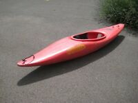 Single seater Pirahna Flow300 kayak