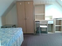 STUDENT rooms only 59pw near University, Jubilee campus & QMC. Spacious tidy furnished