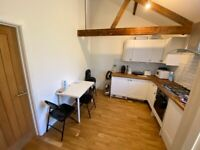 *SEPTEMBER 2021* Luxury 3 bedroom mews house, fully furnished with modern kitchen STUDENTS