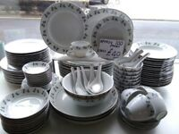 Aprox 100 piece Dinner Set
