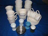 SET OF SIX MATCHING CUPS AND SAUCERS