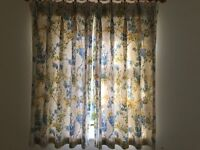Two pairs Lined Curtains