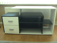 Large TV and enertainment unit, very good condition