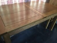 Oak Dining Table , excellent condition