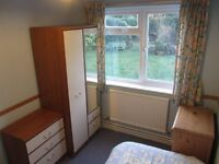 Single bedroom in detached house within 10 mins walk of High St/rail stn