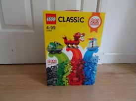 Lego 10704 Classic Creative Box - Mega Pack 900 Pieces - BRAND NEW!