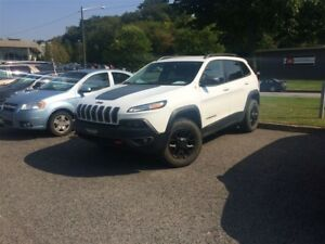 2015 Jeep Cherokee Trailhawk *V6 BLUETOOTH*