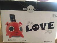 Amethyst the love pig