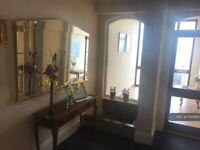 1 bedroom flat in Queens Promenade, Blackpool, FY2 (1 bed) (#1051685)