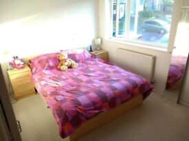 Large double room in house available