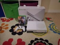 Xbox One S 500GB with Battlefield One and original packaging - Used Once