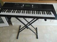 FOR SALE Yamaha PSR E343 digital keyboard in very good condition