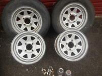 "4 Weller ford fit 13"" rims wheel nuts + centres"