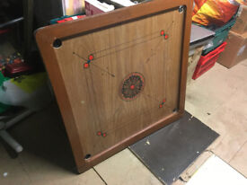 Carom / Carrom / Karom board game with full set of pieces, striker and powder.