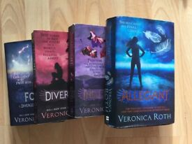 Book: Veronica Roth Divergent Series + additional book