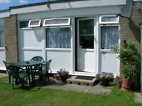 Holiday Availability - Belle Aire Hemsby Nr Gt Yarmouth - Sleeps 4 - pets welcome from £145 p/w