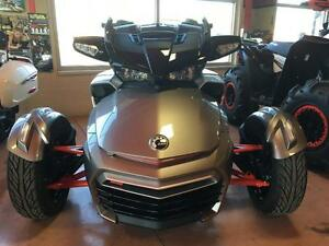 2016 Can-Am Spyder F3-T SE6 w/ Audio System London Ontario image 2