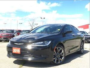 2016 Chrysler 200 S**LEATHER**SUNROOF**BLUETOOTH**8.4 TOUCHSCREE