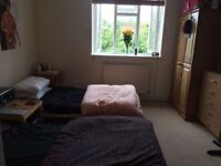 Nice Twin in East London! FRIENDLY FLATMATES, CLEANING + BILLS + WIFI INCLUDED