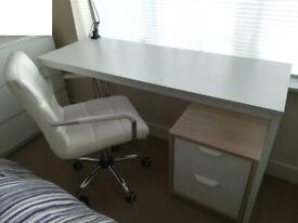 Study table - white