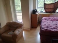 Very large double room in hackney for rent £650 monthly all bills inclusive