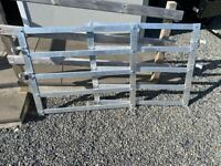 SET OF 3.5FT WIDE ALUMINIUM LIVESTOCK TRAILER GATES ( sheep cattle tractor jeep )