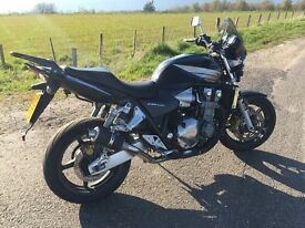 Honda CB 1300 2006 model with (sat nav and top box)