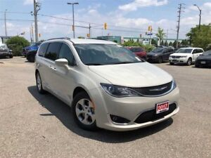2017 Chrysler Pacifica TOURING L PLUS**NAVIGATION**POWER DOORS**
