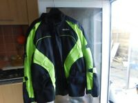 QUALITY BIKER JACKET IS FULLY ARMOURED WITH AIR VENTS SIZE 5XL