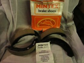 MINTEX BRAKE SHOE SET (MLR67AF)