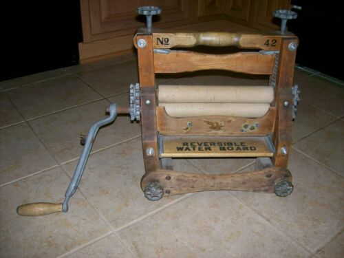ANTIQUE WRINGER