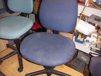Swivel Office Chair, Fabric with 5 castors, Adjustable $15.00