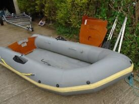 AVON 310 INFLATABLE BOAT