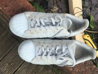 Adidas men's size 7, Work but in good condition