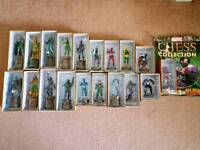 For sale Marvel Chess Collection, plus 4 Special Edition Figurines, Chessboard, magazines, 1 binder.