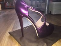 Women's Gucci heels size 5, purple leather. Genuine certificate with box and bag. NEVER WORN