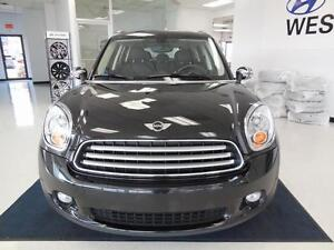 2014 Mini Cooper Countryman1.6L FWD CUIR/TOIT/MAGS 81$/semaine West Island Greater Montréal image 2
